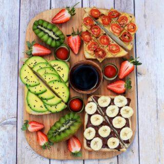 Gesunde Frühstücksideen mit Avocado Tofu und einer Schokoladencreme