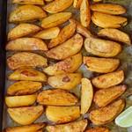 Knusprige Kartoffelspalten aus dem Ofen