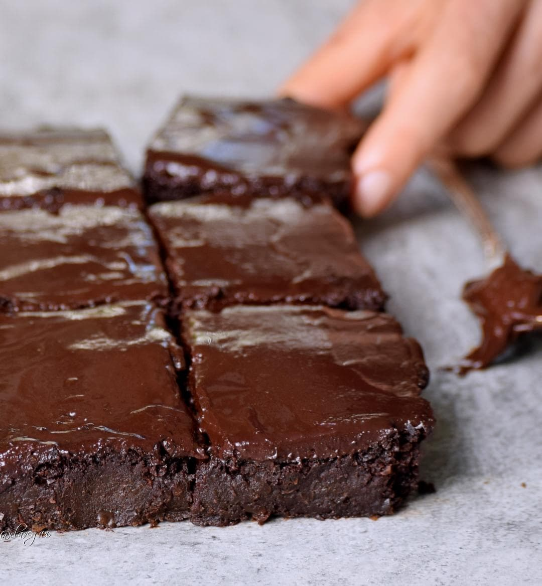 die besten brownies einfaches rezept aus erbsen, ohne raffinierten Zucker, vegan und glutenfrei