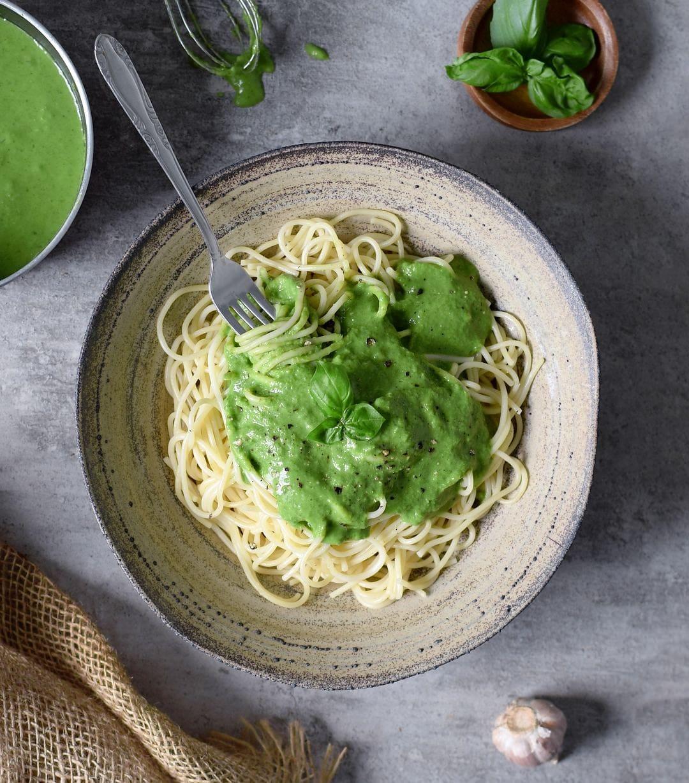 Pasta mit cremiger veganer Spinat Sauce