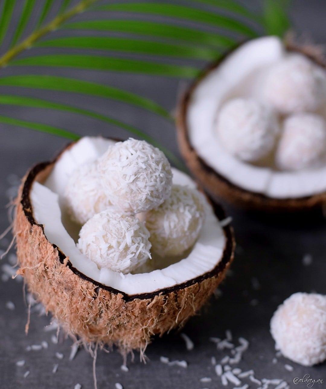 kokosb llchen rezept mit 3 zutaten vegan glutenfrei paleo elavegan. Black Bedroom Furniture Sets. Home Design Ideas