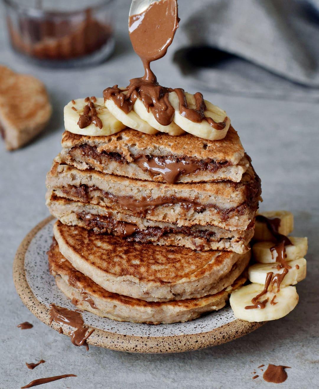 glutenfreie gefüllte pfannkuchen mit veganer schokoladencreme