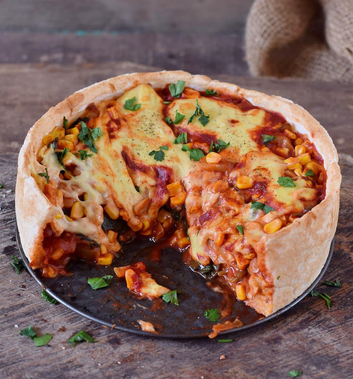 Veganer Pizza Kuchen aufgeschnitten