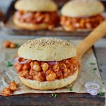 veganes sloppy joes rezept mit cannellini bohnen und glutenfreien burger brötchen pflanzlich schnell 150x150