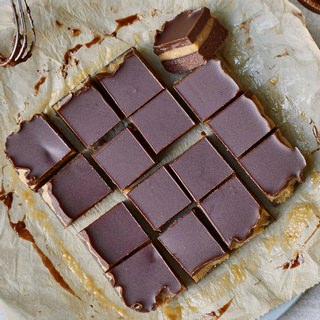 Karamell Brownies Rezept mit Schokolade vegan glutenfrei ohne zu backen