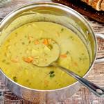 Cremige vegane weiße Bohnensuppe