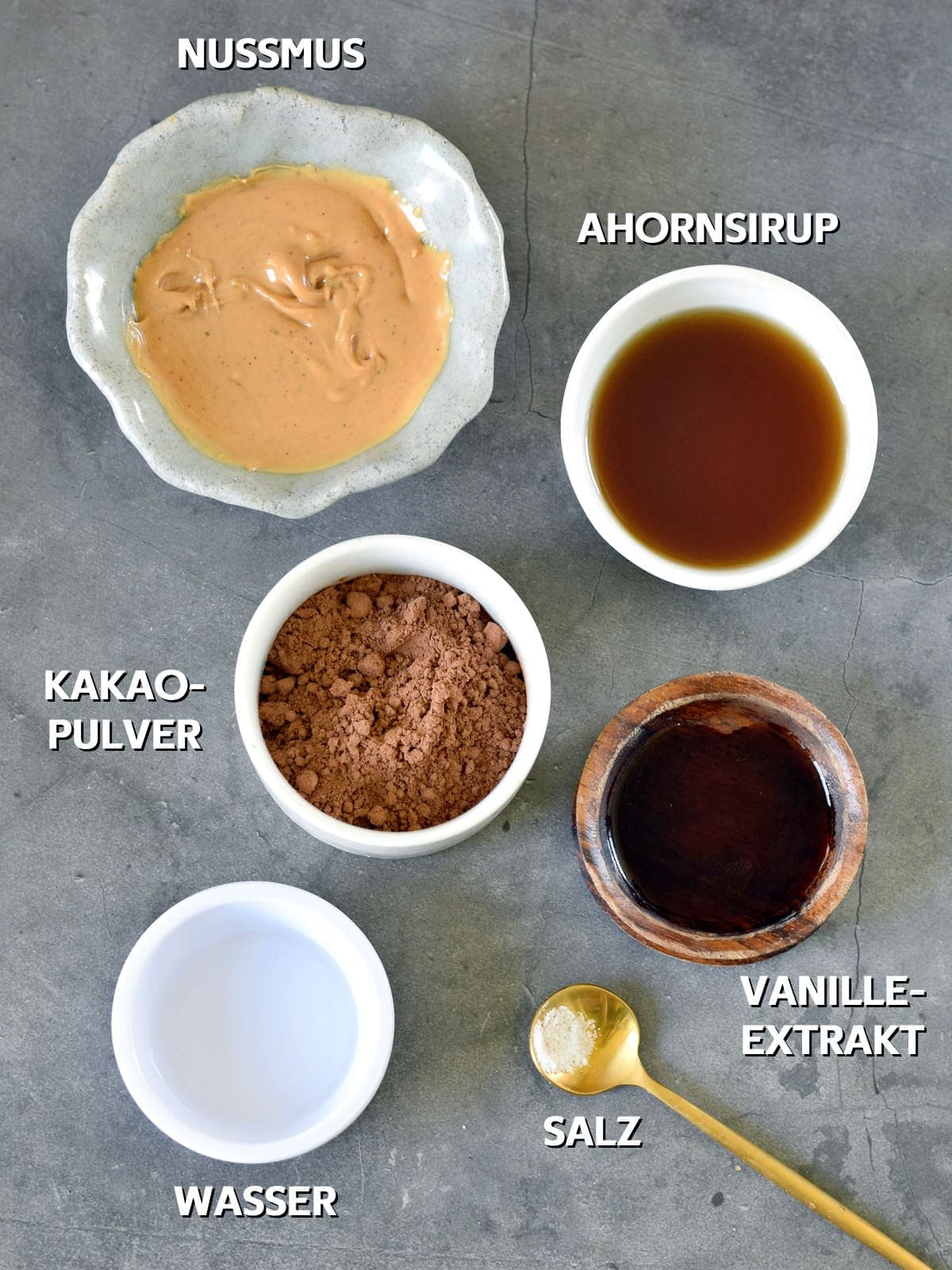 Ahornsirup, Nussmus, Kakaopulver, Wasser, Vanilleextrakt, Salz