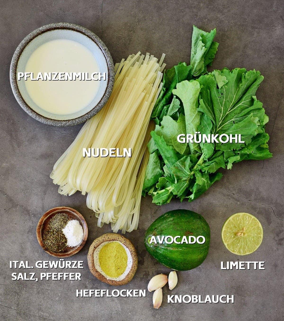 Zutaten für Avocado-Grünkohl-Pasta