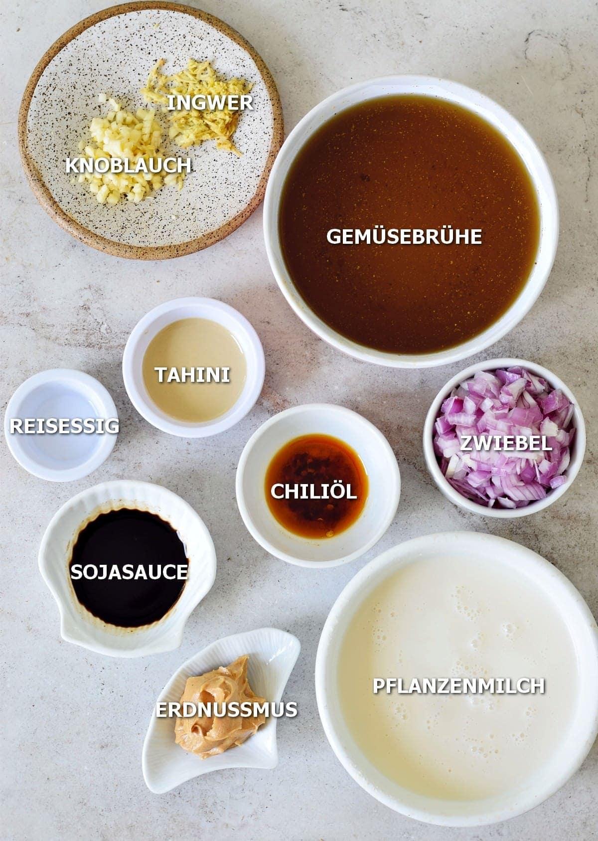Zutaten für vegane Ramen Suppe