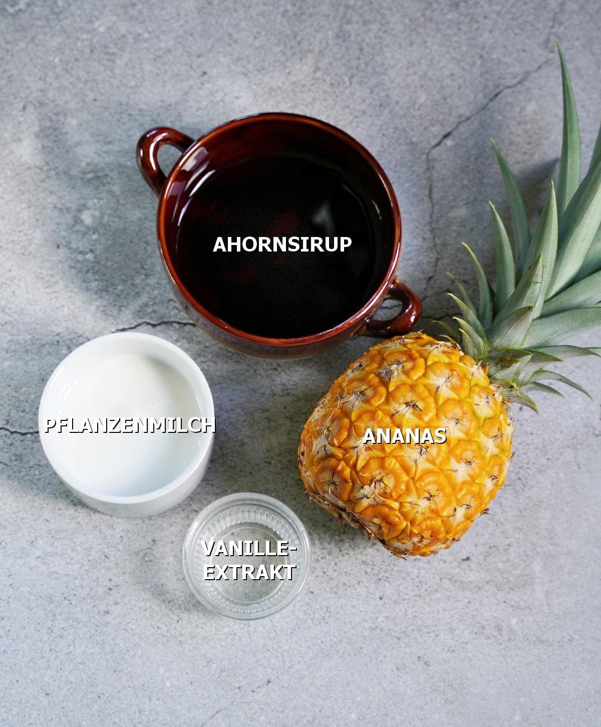 Feuchte Zutaten für süßes Brot mit Ananas