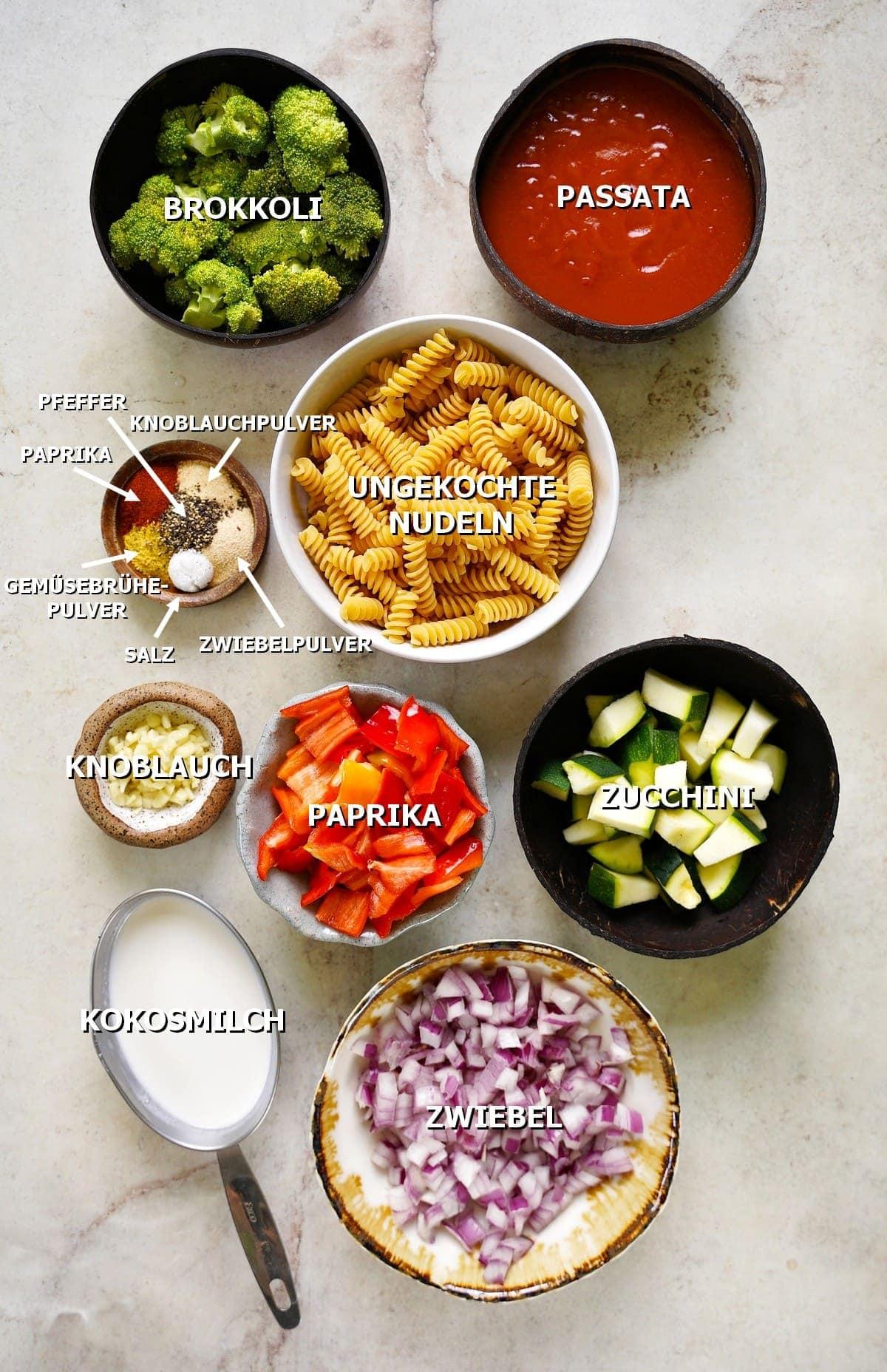 Zutaten für vegane Nudelpfanne