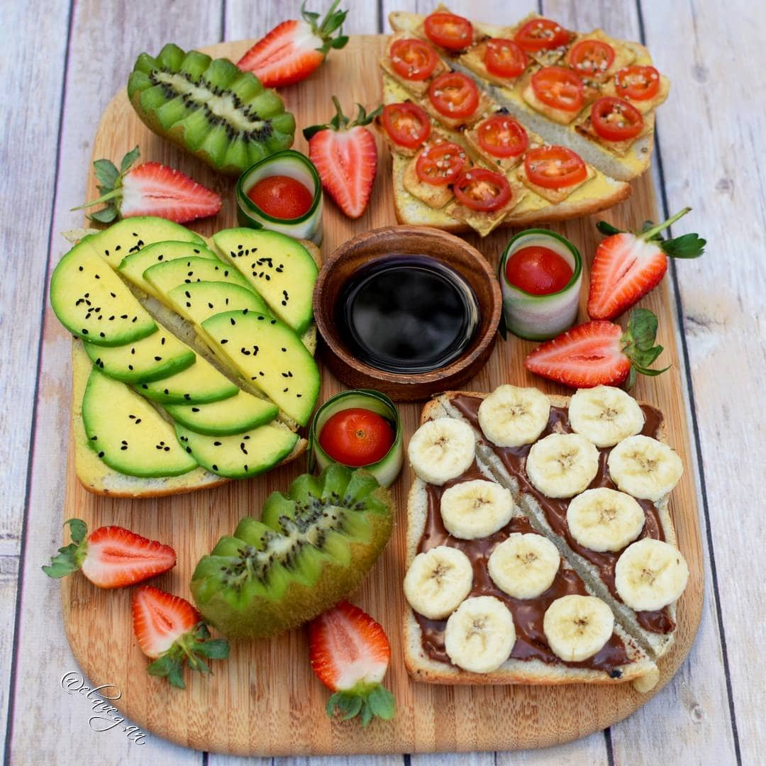 Healthy vegan breakfast ideas - toast with avocado, tofu and a vegan chocolate spread recipe