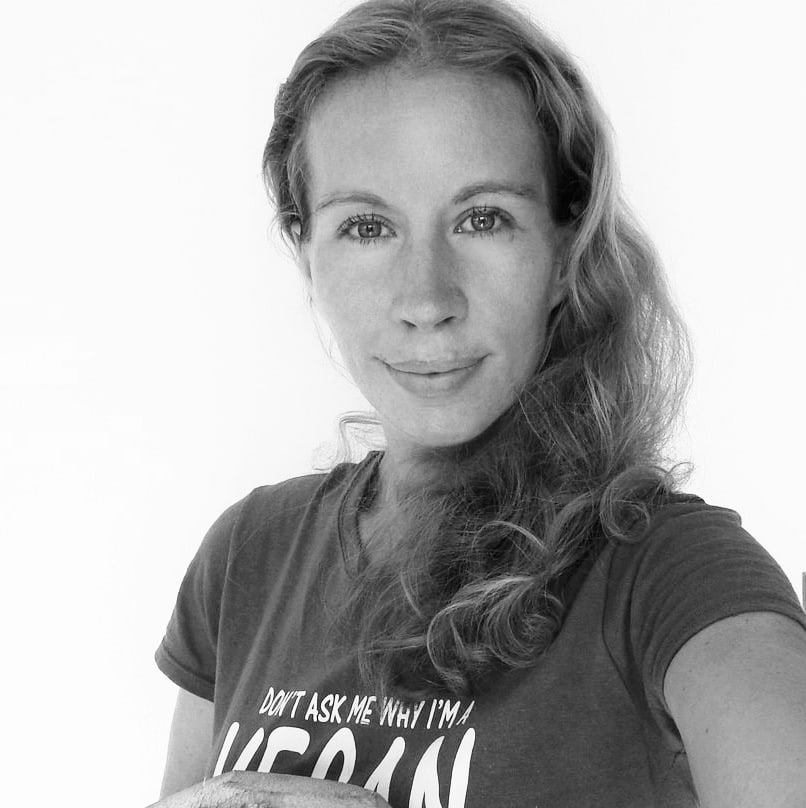 Michaela Vais owner of Elavegan