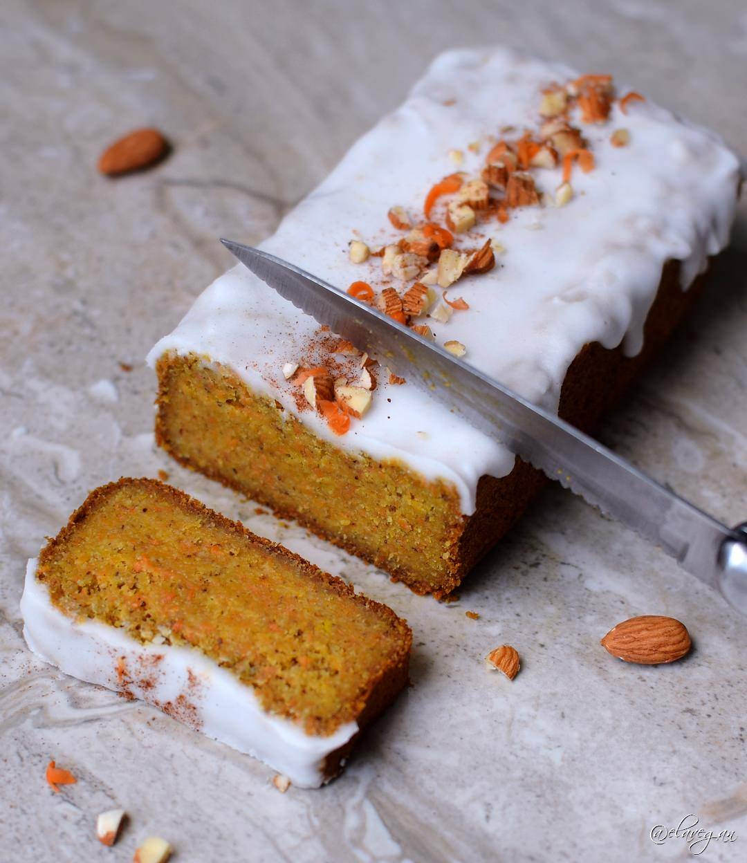 Vegan and gluten-free carrot cake with a keto friendly icing