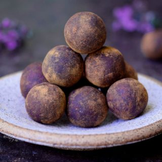 Bliss balls recipe | a raw vegan & gluten free snack