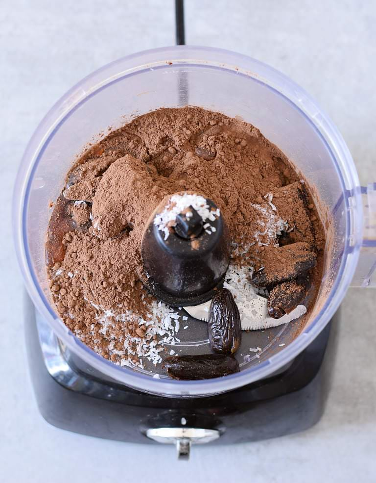 ingredients for chocolate cups in a food processor
