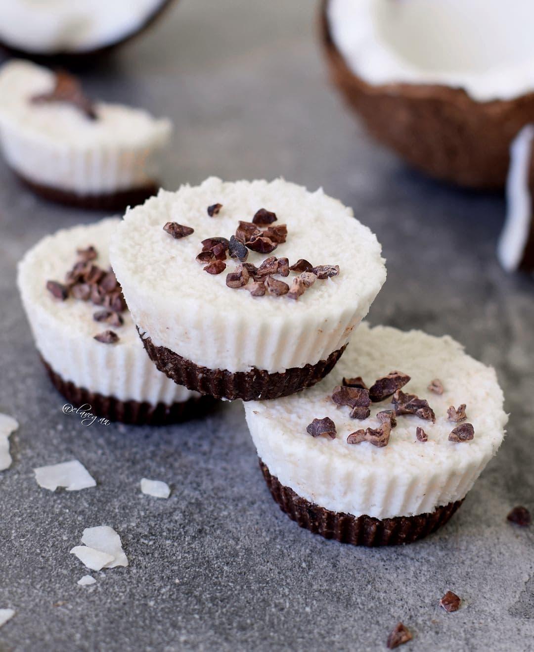Raw coconut cupcakes, a vegan and gluten free recipe similar to bounty bars