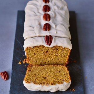 Vegan pumpkin cake with a cashew frosting | gluten-free recipe
