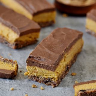 Healthy vegan No bake pumpkin bars with a gluten-free chocolate glaze