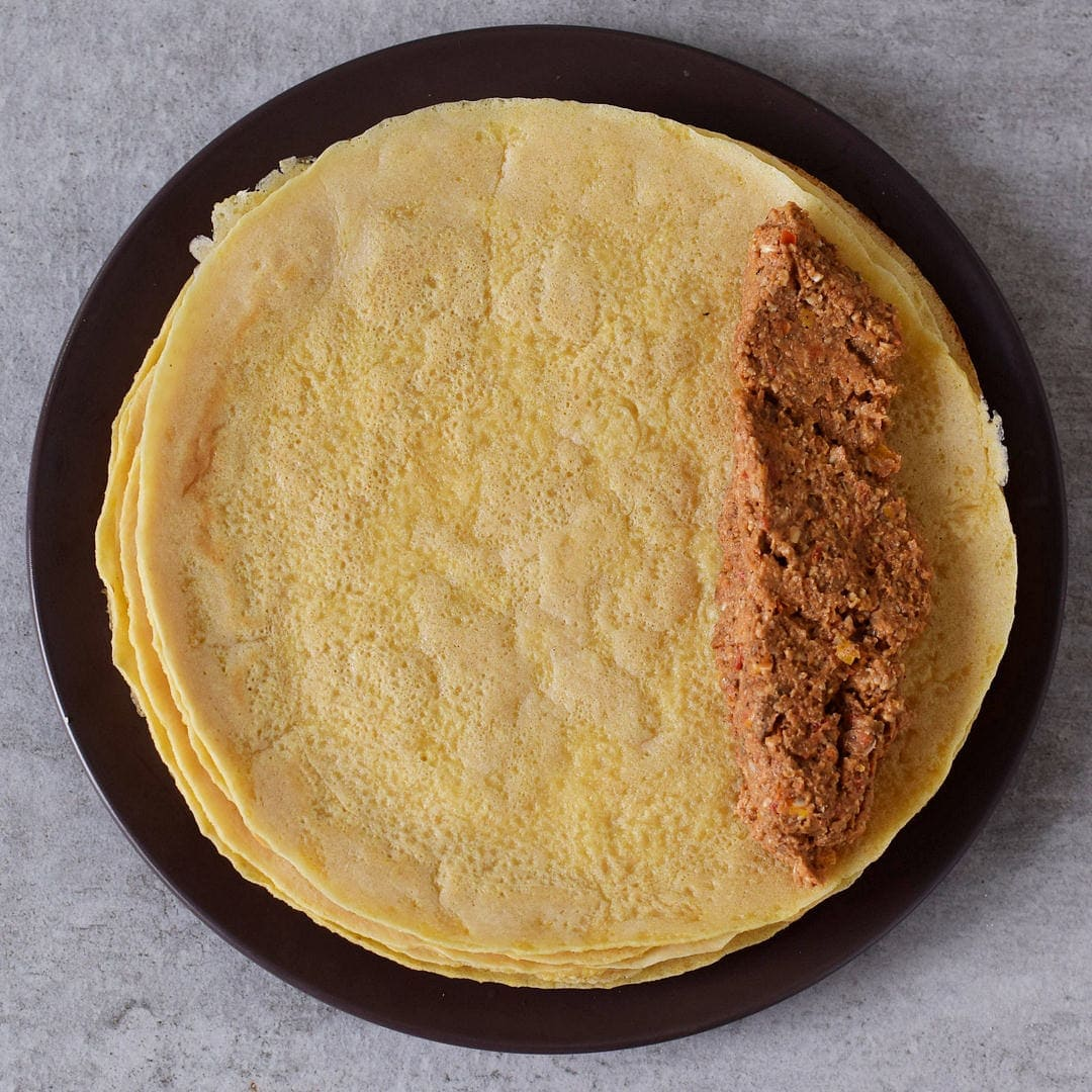 Enchilada-Füllung auf Tortilla