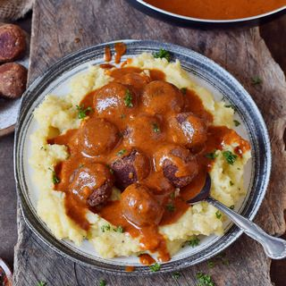 Vegan meatballs with gravy over mashed potatoes recipe