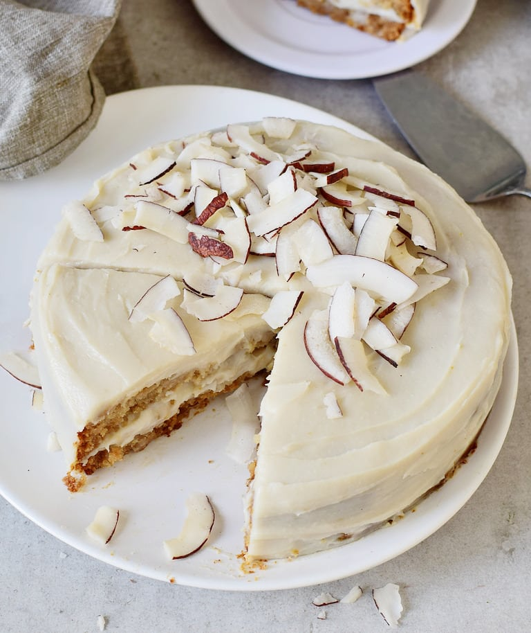 Coconut cake with creamy frosting without oil