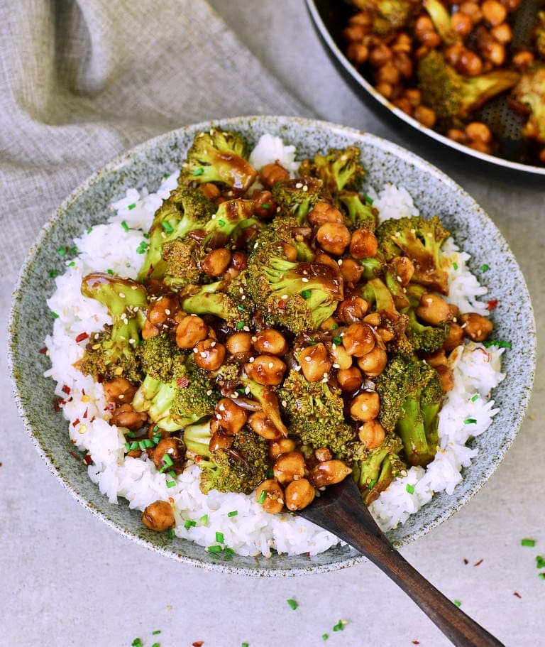 Garlic Broccoli stir fry with chickpeas and rice