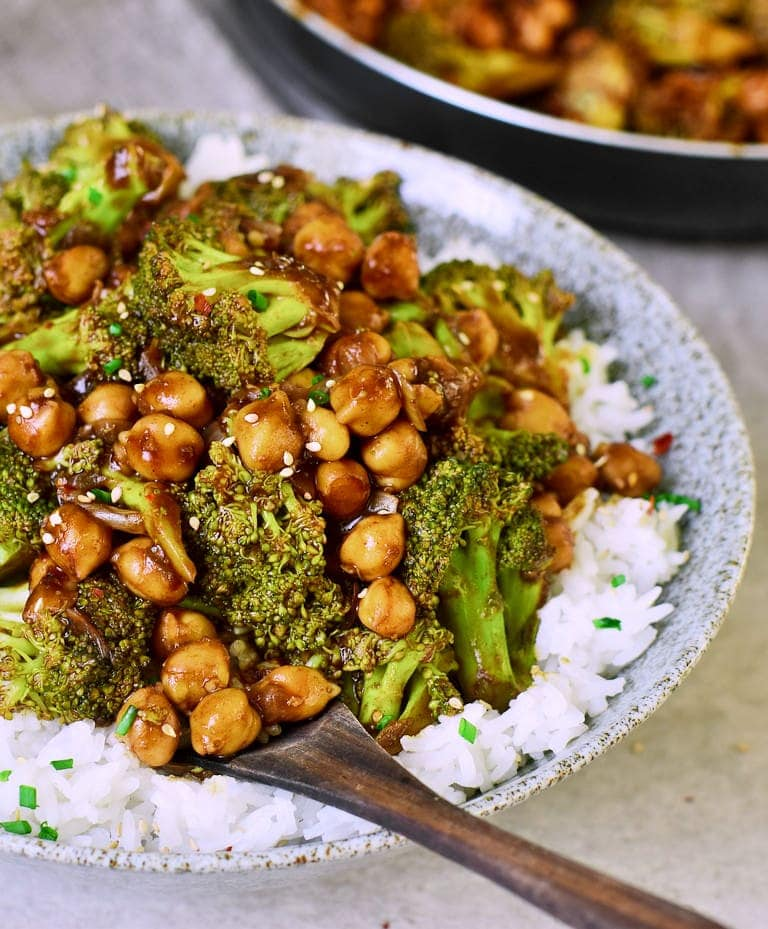 Vegan Garlic Broccoli stir fry with chickpeas and rice
