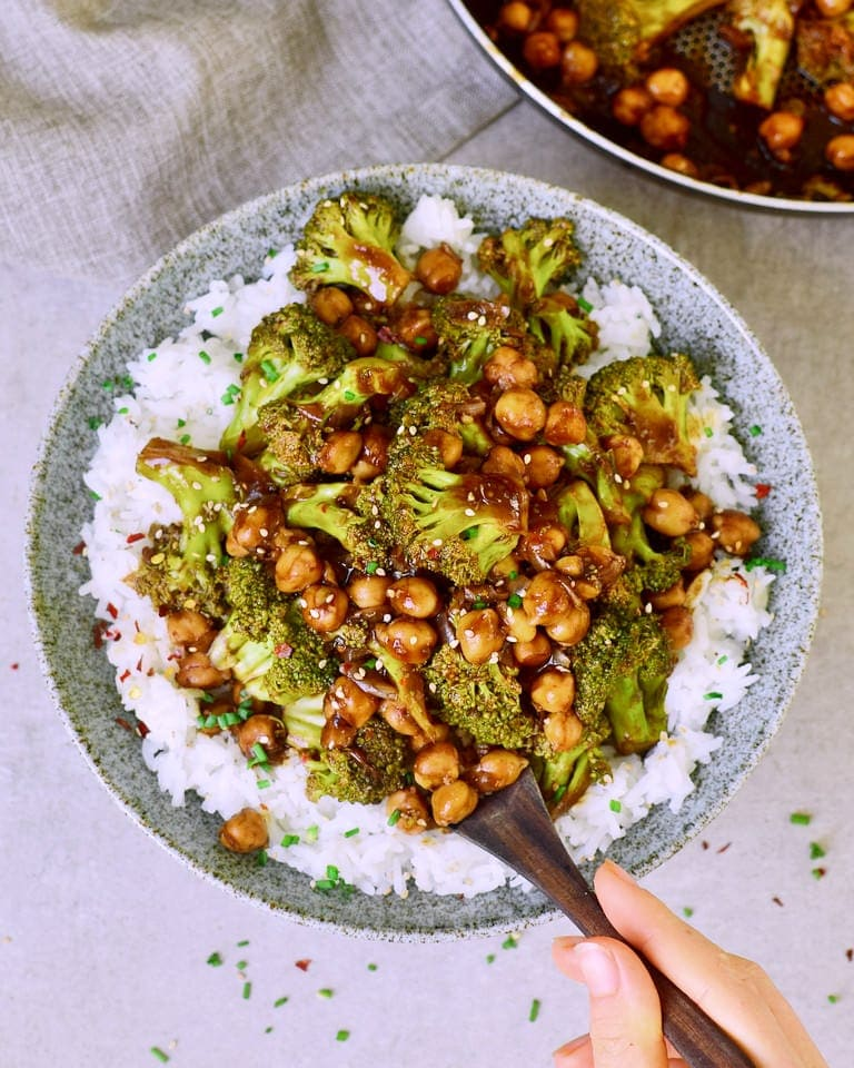 Vegetarian Garlic Broccoli stir fry with chickpeas and rice