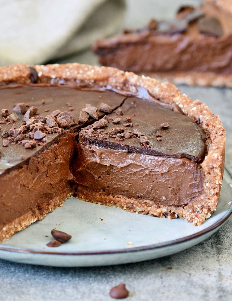 The best healthy vegan chocolate pie