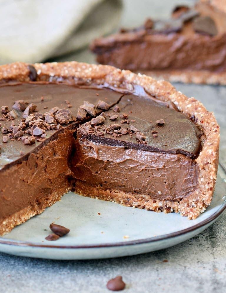 Die beste vegane Schokoladen Tarte mit gesunden Zutaten