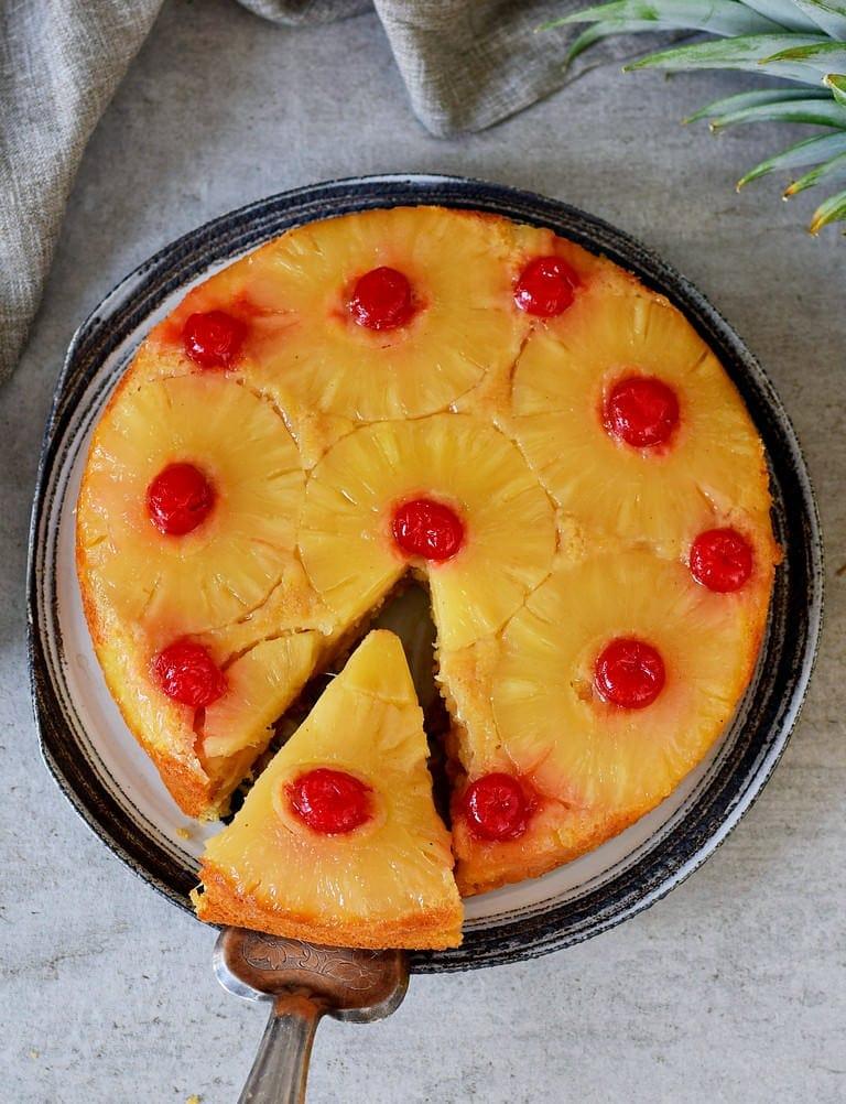 Veganer Ananas-Kirsch-Kuchen