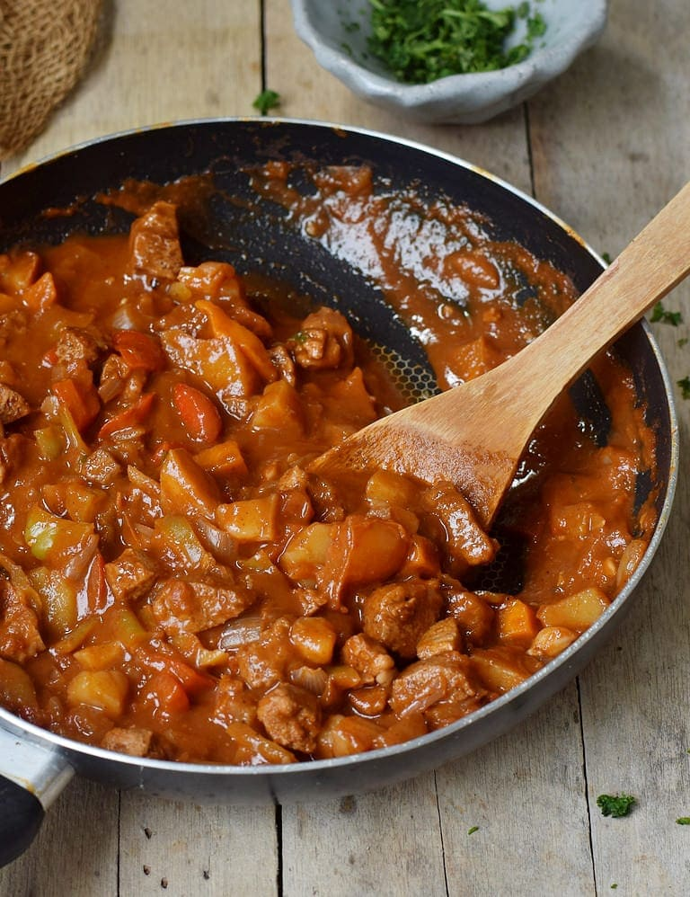 Low calorie Hungarian vegan goulash in a pan