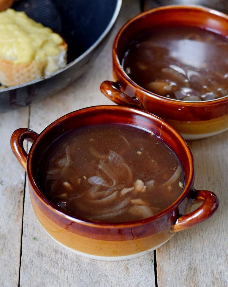 vegan French onion soup in bowls
