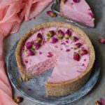 vegan eggless cheesecake with dragonfruit