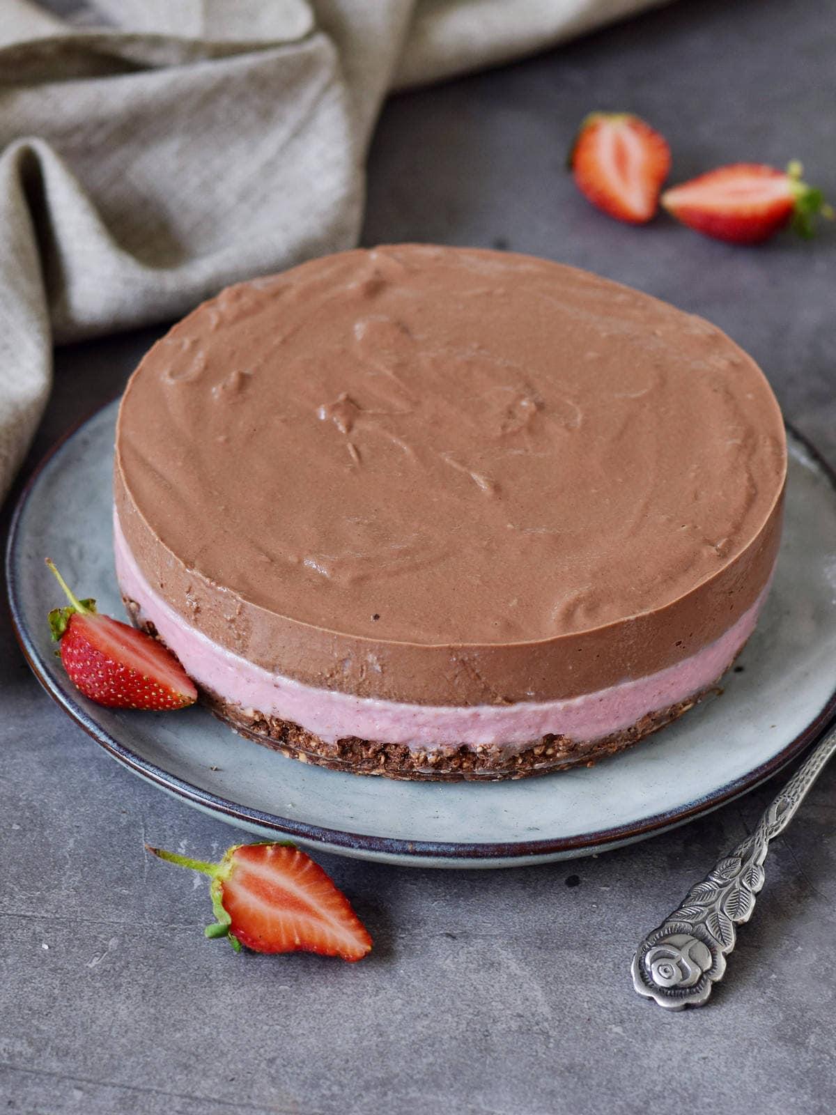 vegan chocolatey cake with strawberries