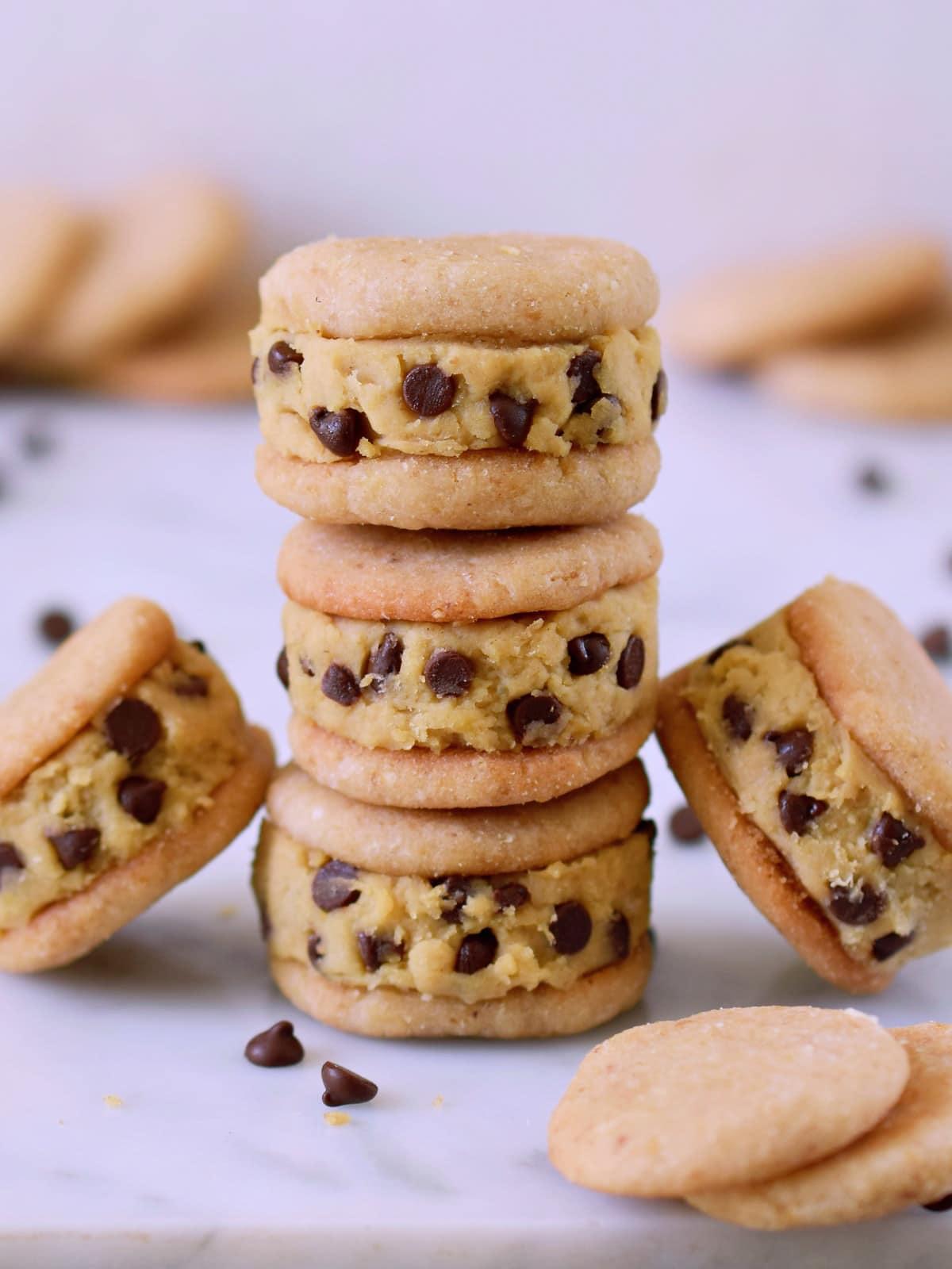 Stapel von Cookie Dough (Keksteig) Sandwiches
