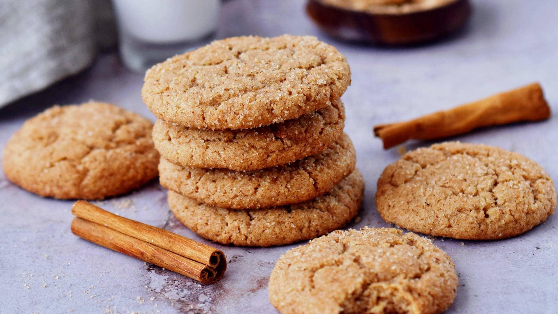 vegan snickerdoodles with cinnamon sticks