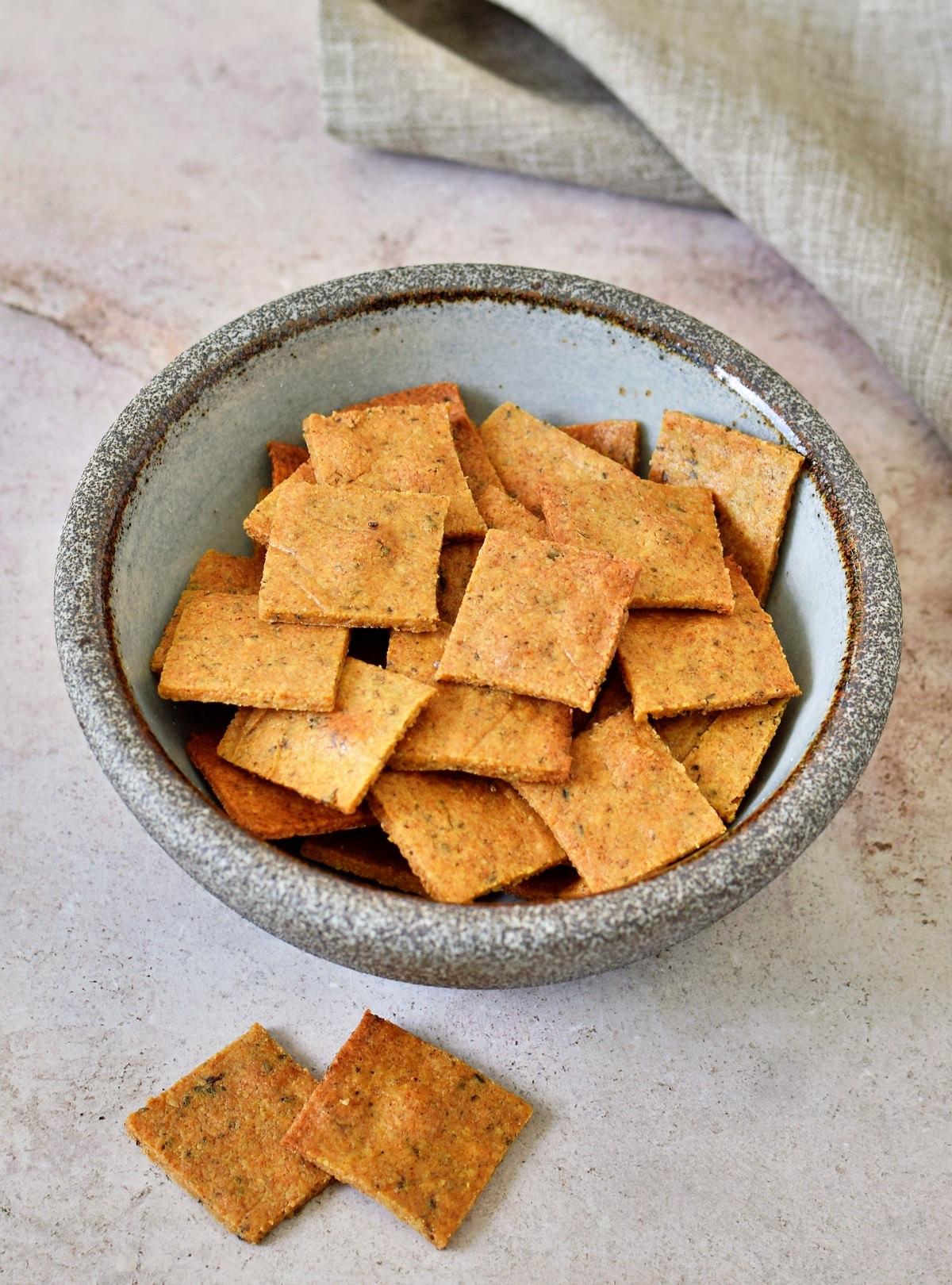 vegan keto crackers in a bowl